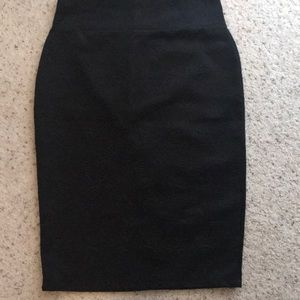 Black midi skirt size medium